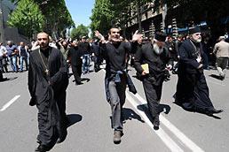 МВД Грузии обвинило архимандрита и игумена в срыве гей-парада
